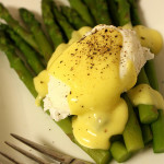 Asparagus and Poached Eggs with Hollandaise Sauce
