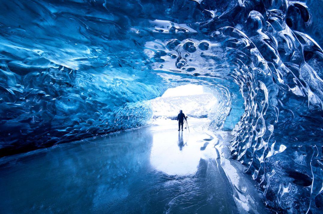 Glacier-caves-blue